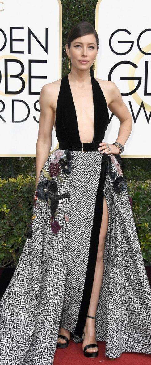 Jessica Biel: Dress – Elie Saab Haute Couture  Shoes – Salvatore Ferragamo  Jewelry – Neil Lane