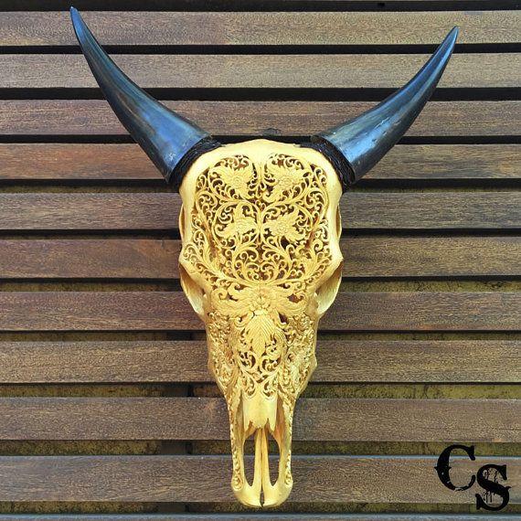 Sculpté à la main à décors floraux or Animal Skull par CarvedSkulls
