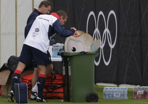 Pearce feeds promising Team GB badminton partnership to 'peckish' footballers: Under-fire Great Britain coach Stuart Pearce has insisted that it was a 'sensible footballing decision' for his squad to kill, cook and eat badminton partners Chris Adcock and Imogen Bankier after a less than satisfactory evening meal in the Olympic Village.
