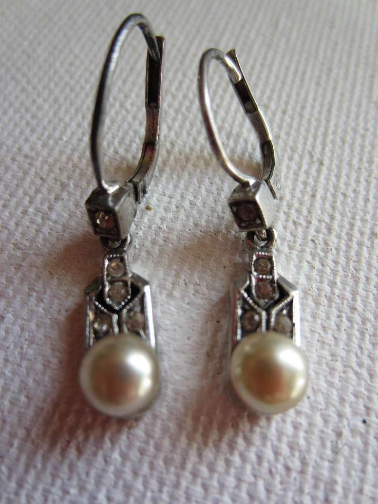 just so pretty   vintage earrings marcazite with faux pearl  www.accessoriesofold.com
