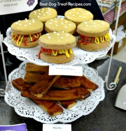 Gourmet dog treat recipes put you in the same league as the big gourmet dog bakeries. Have fun baking and decorating these gourmet dog treats!