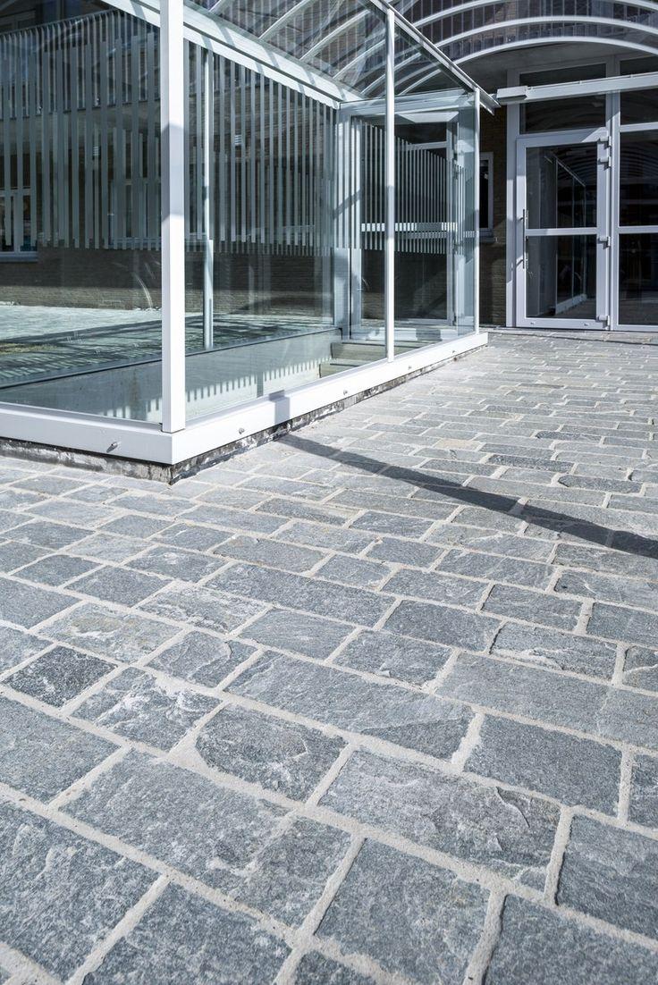 Beltrami natuursteen/ Natural Stone- Pavement- Inkom/ Entrance - Kavalas - Griekse leisteen/ Greek Slate