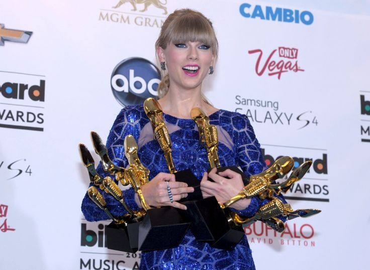 Taylor Swift | GRAMMY.comTaylors Swift 3 3 3 3, Music Awards, Boards Music, Awards 2013, Taylors Swift3333, Bill Boards, Swift Bill, Billboard Music, 2013 Billboard