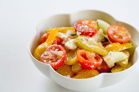Cherry Tomato Cucumber Feta Salad #paleo/primal if you do feta: Cucumber Feta, Salad Recipes, Feta Salad, Tomatoes Salad, Tomatoes Cucumber, Cherry Tomatoes, Summer Salad, Tomatoes Plants, Cherries Tomatoes