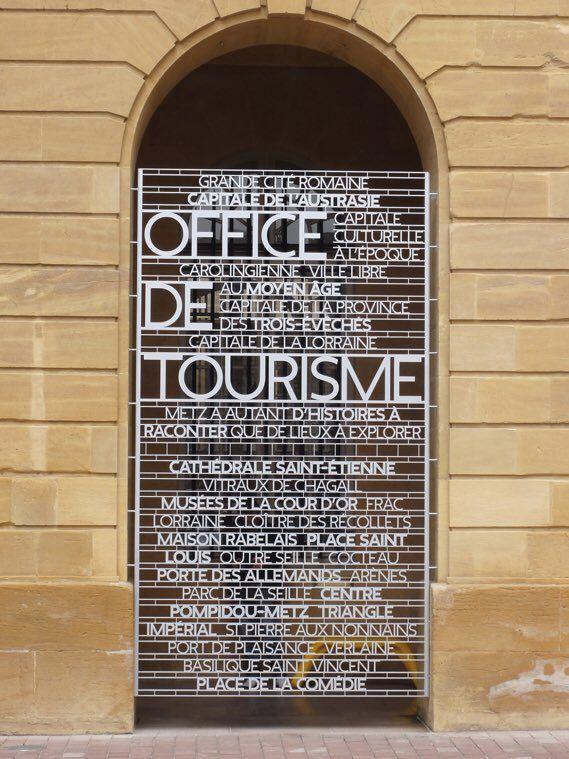 Centre Pompidou-Metz signage by Intégral Ruedi Baur.  @CDWfestival #cdw16 #PublicSpaces  via @wayneford