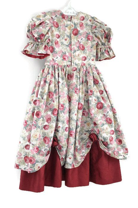 Vintage Flower Girl Dress Little Girls Party Dress by WillowsRoom