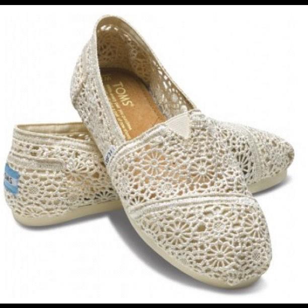 Toms<3Lace Toms, Fashion Shoes, Crochet Shoes, Crochet Toms, Style, Wedding Shoes, Tom Shoes, Woman, Nature Crochet