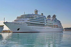 Seabourn Odyssey. Ιδιοκτησία: Carnival Corporation plc. Διαχείριση: Seabourn Cruise Line. Σε υπηρεσία από τον Ιούνιο του 2009, 32.346 GT ~ 200 μ.μ. ~ 26 μ.πλάτος ~ 11 κατ/τα ~ 21 knots ~ 450 επ. ~ 335 ατ.πλ.