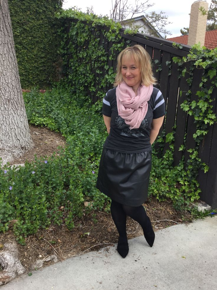 Faux leather skirt and T // petite outfit // Whatsupcork