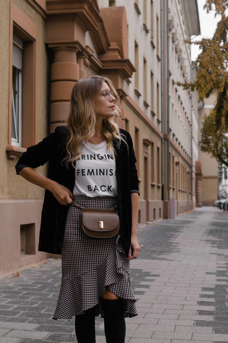 Round Metal Glasses Steingasse 14 Feminism Statement Shirt Checked Midi Skirt karierter Rock Bleistiftrock Garrett Leigh Glasses Modeblog Heidelberg Fashionblogger Sariety-3