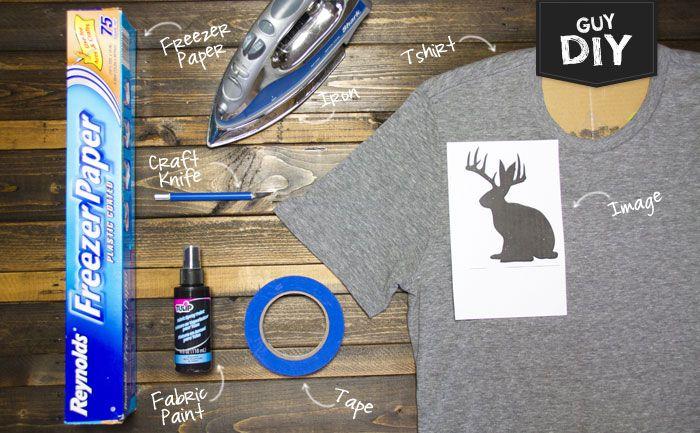 DIY Un tee-shirt avec un pochoir au papier congélateur. (Freezer Paper Stencil Tee) (http://blog.michaels.com/blog/guy-diy-freezer-paper-stencil-tee)