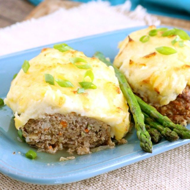 meatloaf-topped-with-cheesy-mashed-potatoes_4_650