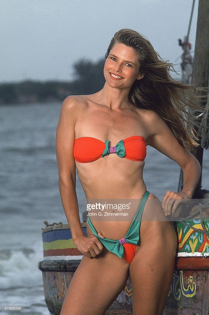 News Photo : Model Christie Brinkley poses for the 1989 Sports...