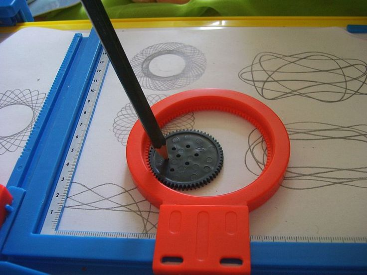 Spirograph: Still good for keeping the kids busy! This classical geometric drawing toy which produces mathematical curves technically known as hypotrochoids and epitrochoids was developed by British engineer Denys Fisher and first soldl in 1965. Photo by Kungfuman, wikipedia. #Toys #Spirograph