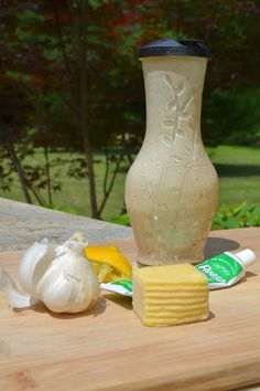 THE BEST home made creamy Caesar dressing recipe!