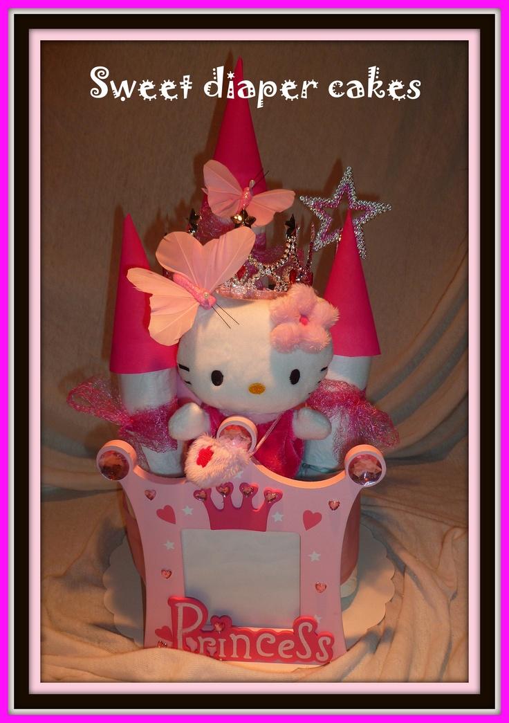 Gâteau-château de couches Hello Kitty...!