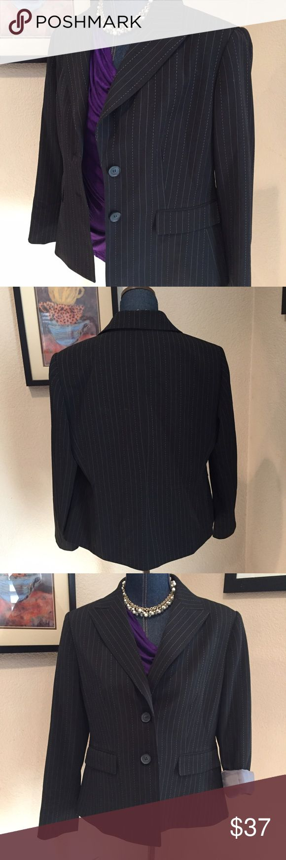 Suit studio blazer suit set petite pinstriped Used women's 14 petite suit set I have worn blazer in great condition pants do show wear and I'm throwing in for free! Jackets & Coats Blazers