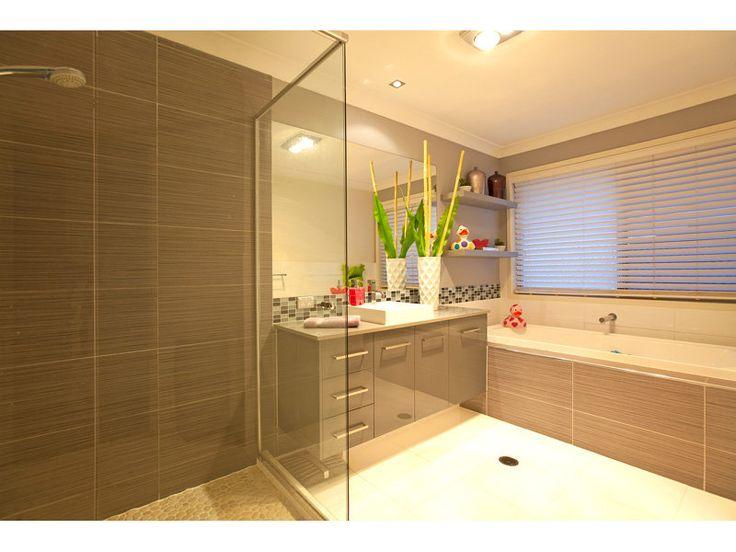 Modern bathroom design with corner bath using tiles - Bathroom Photo 464609
