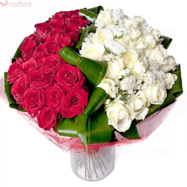 Red and white Deluxe - Buchet bicolor din trandafiri