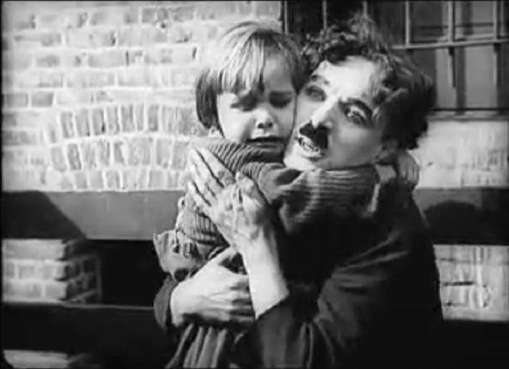 """* Éphéméride du 6 février * : 1921, sortie du film """"The Kid"""" de Charlie Chaplin - https://addict-culture.com/ephemeride-6-fevrier-1921-sortie-film-the-kid-de-charlie-chaplin/ 1921, charlie chaplin, Film muet, Jackie Coogan, the kid"""