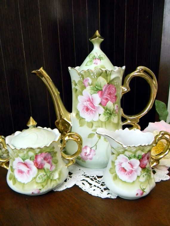 Lefton Heritage Teapot - Tea Pot Sugar and Creamer Made in Japan. Highly collectible Heritage green set with fancy gilt handles and wavy rims.