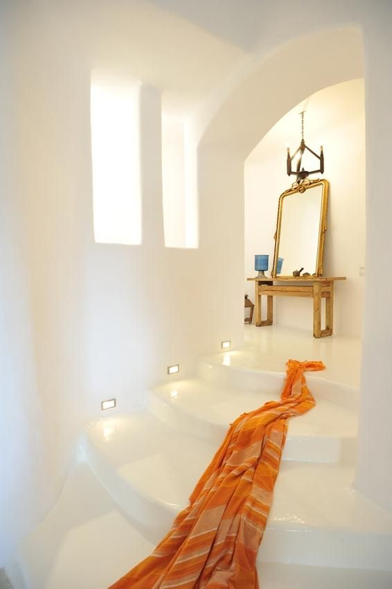 Orion Villa in Mykonos:  http://ow.ly/EMKuo