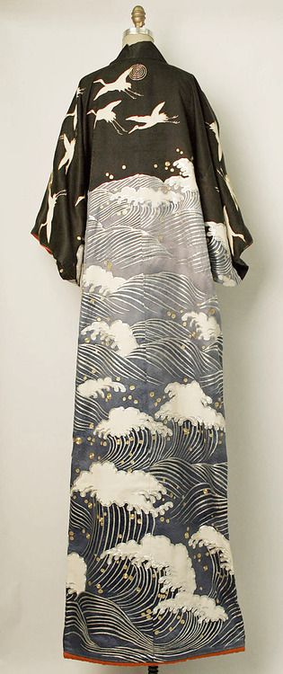 thekimonogallery:  Special kimono for dancing. Second half of 20th century, Japan.  MET Museum