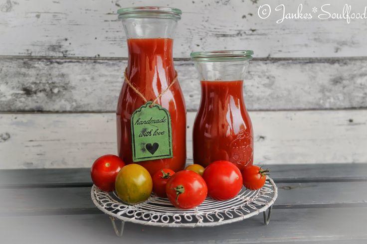 Passierte Tomaten einfach selbermachen