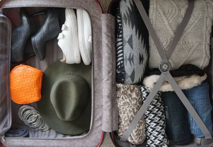 8 Tips on Choosing the Right Suitcase - Samsonite Cosmolite Interior Packing