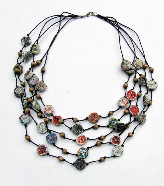 love these recycled magazine beads