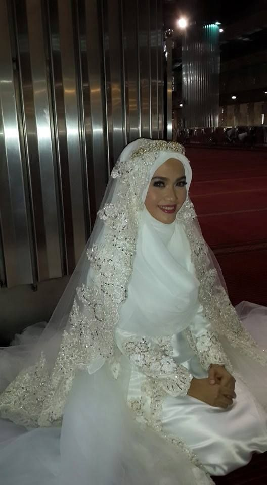 beautiful syar'i bride  Designed by Norma Hauri (Indonesia)