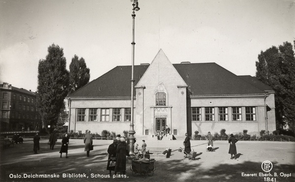 Deichmanske på Schous plass, 1935.