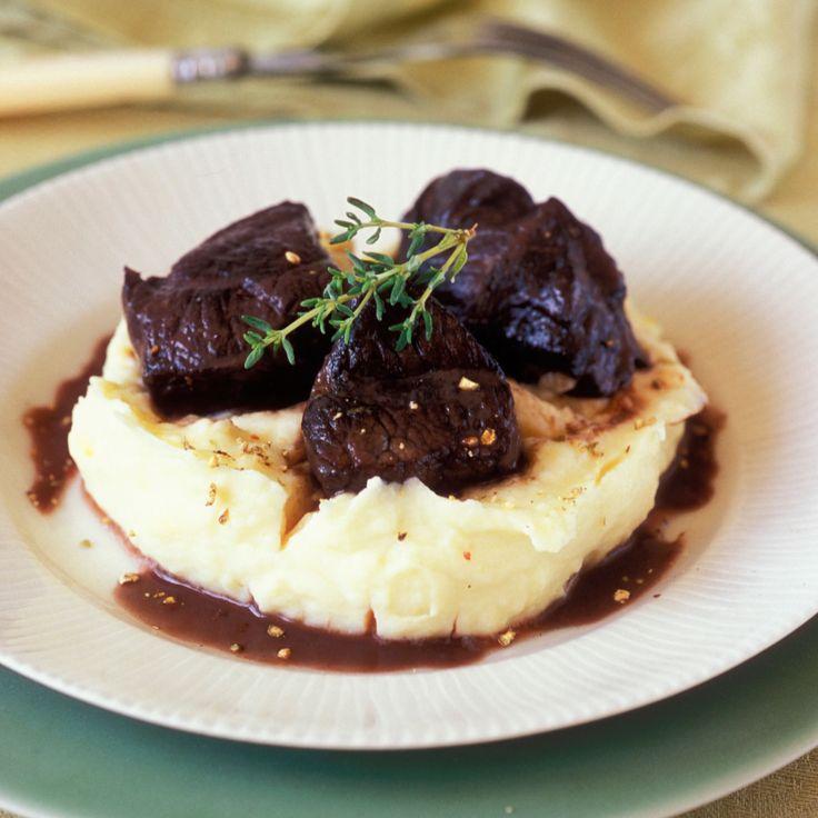 Découvrez la recette Joue de boeuf en daube provençale, purée de pomme de terre sur cuisineactuelle.fr.