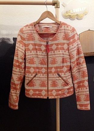 Kaufe meinen Artikel bei #Kleiderkreisel http://www.kleiderkreisel.de/damenmode/mantel-and-jacken-sonstiges/136367835-jacke-blazer-aztekenmuster-coral