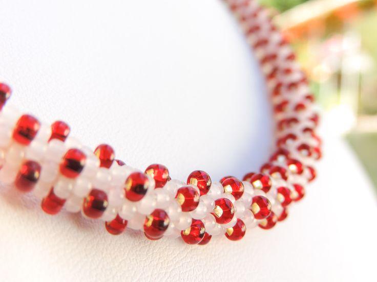 Red and white Preciosa bead crochet rope necklace - Colier cu margele rosii si albe Preciosa - colectia Wild Berries (170 LEI la AndiBede.breslo.ro)