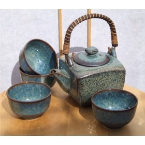 Contemporary Japanese tea set in speckled blue glaze with 4 cups