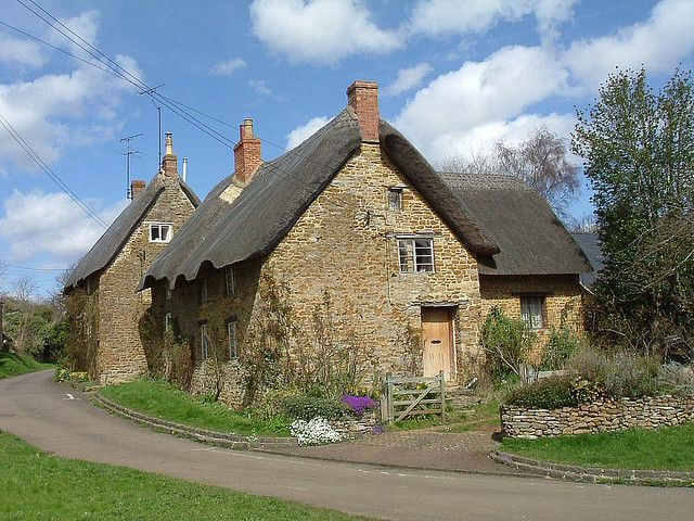 thatched cottages at Hook Norton