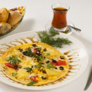 http://www.mijnreceptenboek.nl/recept/lunchgerechten/omelet-met-tomaten-ui-en-champignons.html