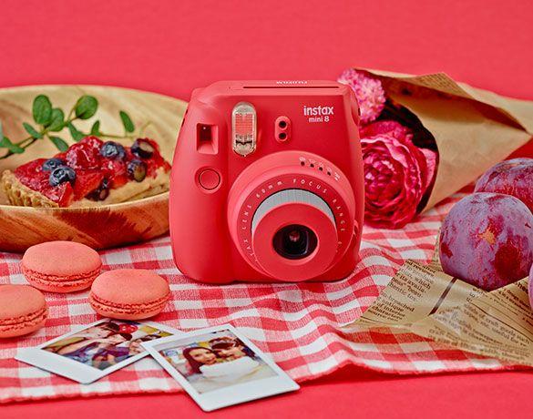 Aparat Fujifilm Instax Mini 8 - Malinowy / Raspberry | Aparaty Instax | Sklep Internetowy Handpick.eu - starannie wybrana oferta