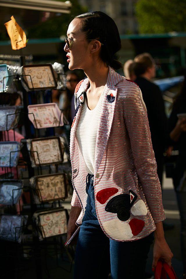 Неделя высокой моды в Париже, осень-зима 2017: street style. Часть 3 (фото 16)