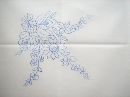 KALOCSA-Hungary-Hungarian-kalocsai-MEADOW-POSY-stamped-embroidery-luncheon-cloth