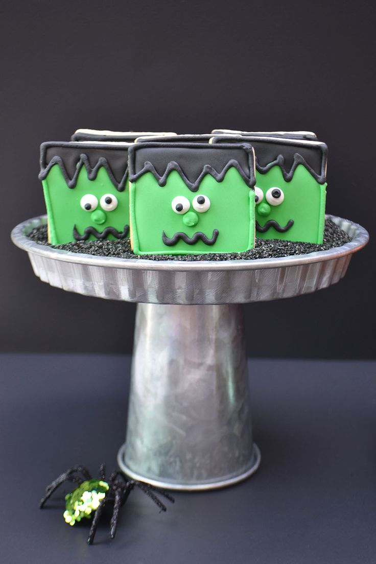 Losing our heads for these Frankenstein Sugar Cookies for Halloween. By Bake Sale Toronto