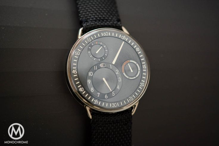 Beyond hands, beyond traditions... Review of the Ressence Type 1 (Live photos, specs & price)