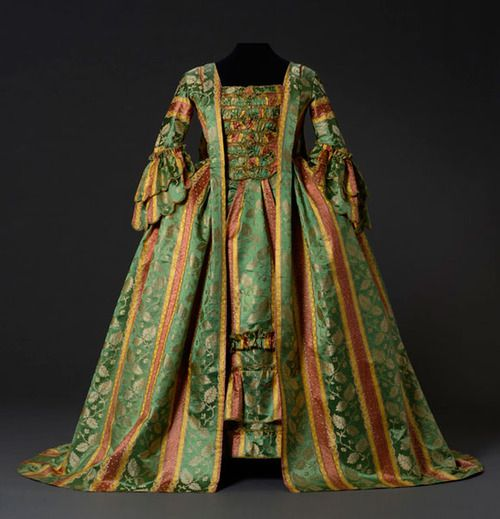 Robe a la francaise, mid-18th century From the Musee du Costume...
