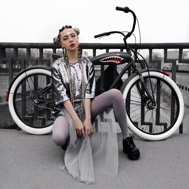 """73k Likes, 220 Comments - Ellen  Sheidlin (@sheidlina) on Instagram: """"My new bike shark @electrabike.ru"""""""