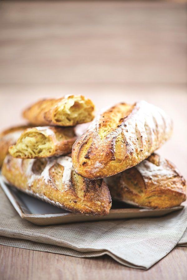4 porções Pão 640 g de farinha de trigo 160 g de massa fermentada crua 120 g de levain de...