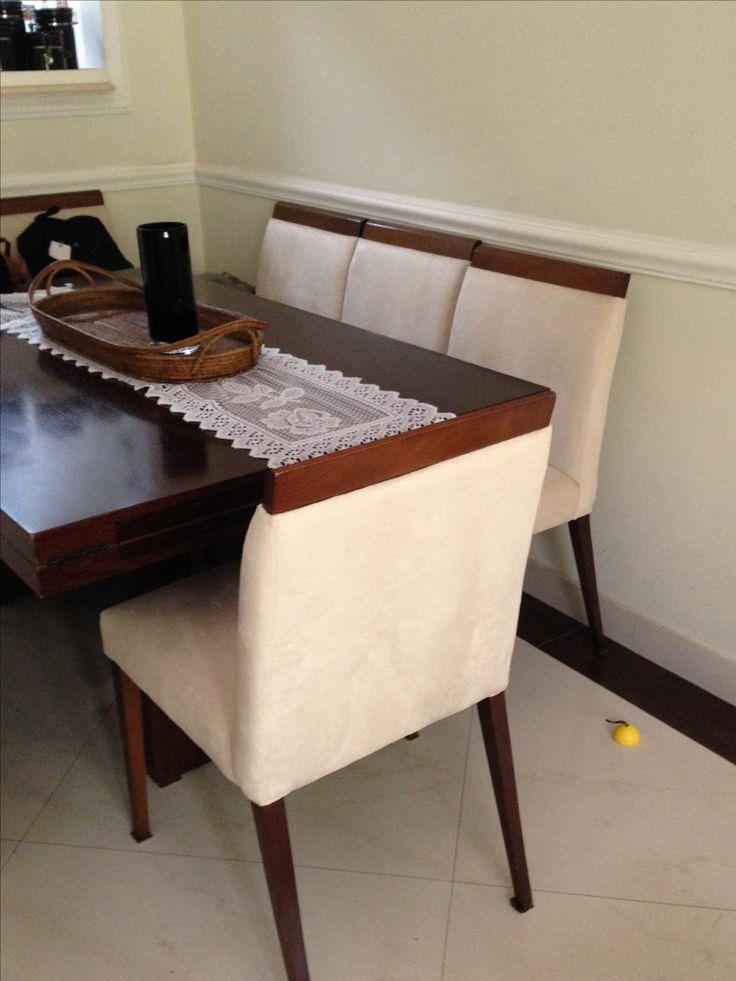 Cadeiras mesa de jantar encosto e acento estofados.Trabalhamos com reforma e fabricação