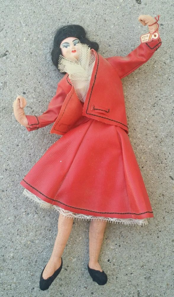 """Vintage 1950's Layna? Klumpe? Roldan? Cloth Doll """"Red Coat"""" made in Spain."""