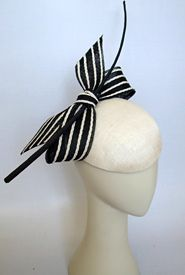 ❤ - A capella by Louise Macdonald. Smart black and white combo