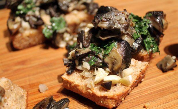 1000 images about escargot snails on pinterest butter. Black Bedroom Furniture Sets. Home Design Ideas